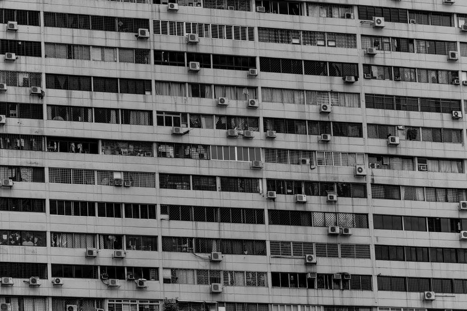 Housing - sechs Millionen Menschen zwängen sich auf der knappen Landmasse von Singapur zusammen. Der Chinatown Komplex ist eines der interessantesten Gebäude in der Stadt.