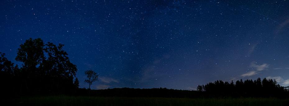 Deep Blue - ein Panorama aus fünf Bildern in Richtung Nord/Ost. Von den nächtlichen Sessions im August kann ich zur Zeit nicht genug bekommen. Vielleicht kommt noch was... [11-08-2020]