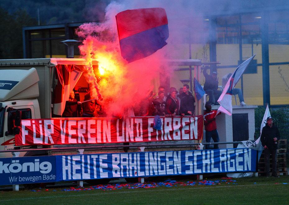Der erstmalige Einzug ins südbadische Pokalfinale wird von den Fans des 1.FC Rielasingen-Arlen frenetisch gefeiert, wie man das heute so macht mit Pyrotechnik. Nach dem Gewinn des Pokals wartet am 12.8. der BVB auf den Verbandsligisten.