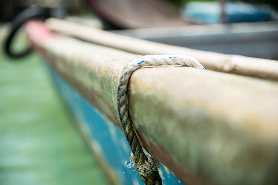 Bequem mit dem Boot geht es zurück vom Monkey Beach zum Eingang des Nationalparks wo mein Roller wartete. Auf der Fahrt sieht man Penang noch von einer anderen Seite.