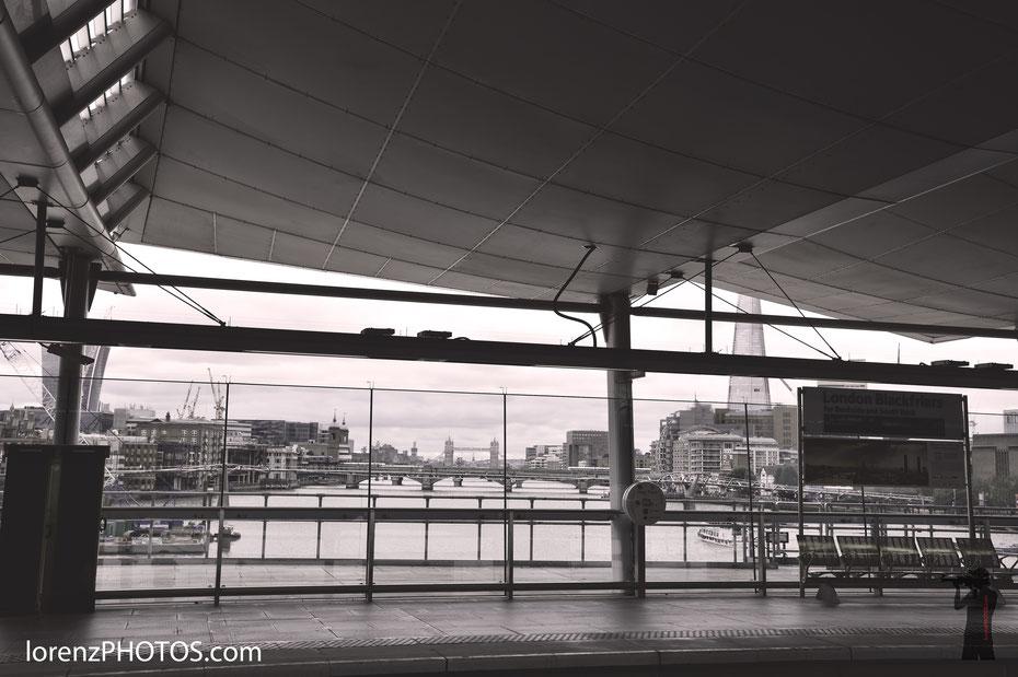 Blackfriars Bridge - der Bahnhof auf der Brücke ist nicht nur ein großer Knotenpunkt für viele Pendler sondern auch ein tolles Photomotiv mit dem Shard, der Towerbridge und Soutbank als Beiwerk.