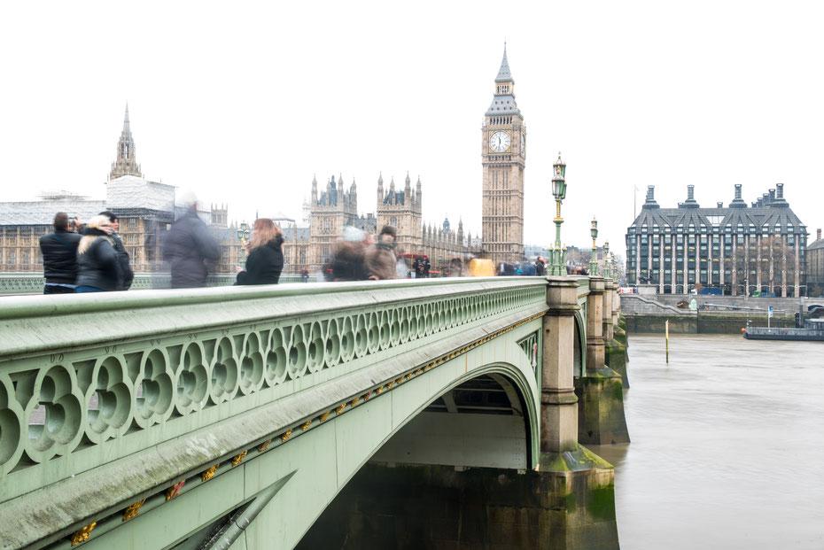 """London moving by day: eines des totphotographierten Motive. Und dennoch ist es etwas anderes, oder? """"Das Gewöhnliche ungewöhnlich machen"""" - der Leitsatz meiner Arbeit. Hier in London passt er perfekt!"""
