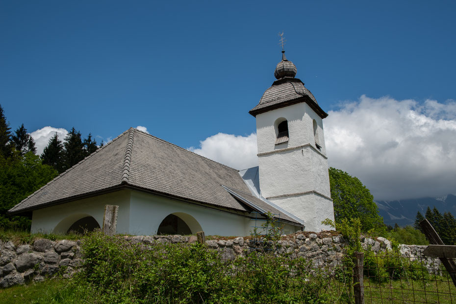 Als letztes Highlight der Vintgar Runde kommt man an der Kapelle St. Katarina vorbei. Ein schlichter Hingucker, vor allem wenn das Wetter mitspielt.