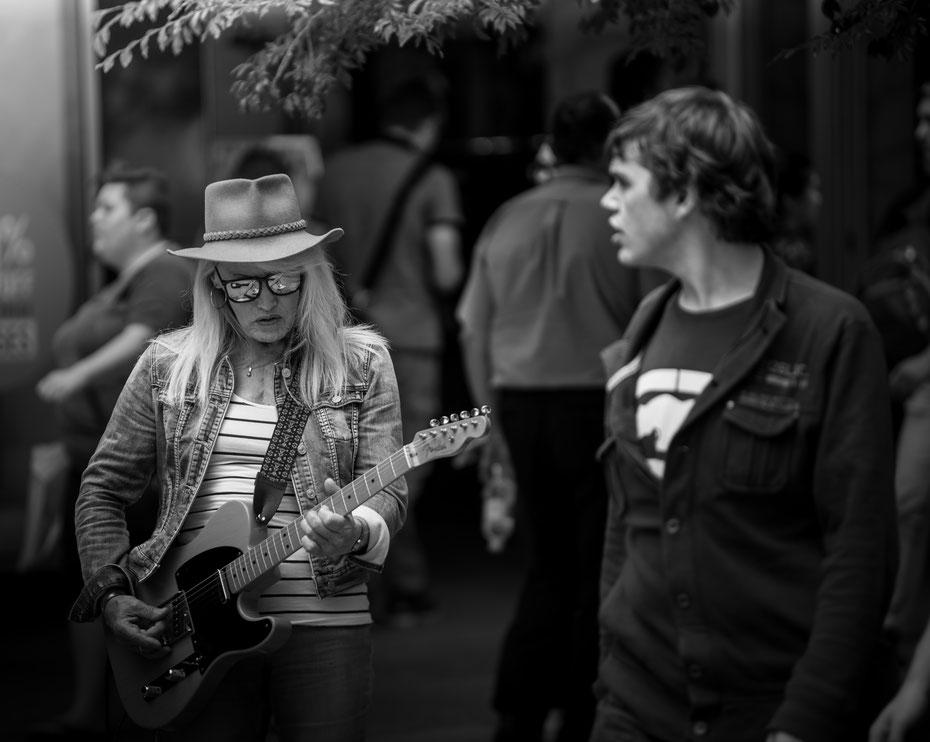Adelaide Streets - an allen Ecken in der Innenstadt wird zur Gitarre gegriffen.