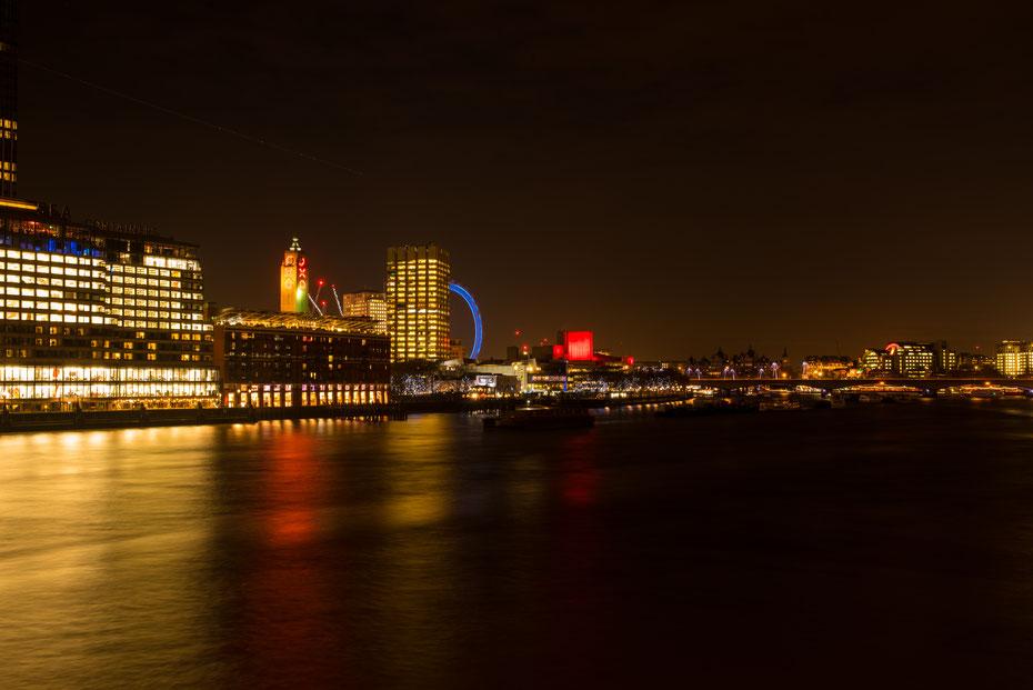 London moving by night: auch im Dunkeln macht die Southbank eine tolle Figur. Die Motive gehen in London niemals aus, auch beim zigsten Besuch in meiner Lieblingsstadt.