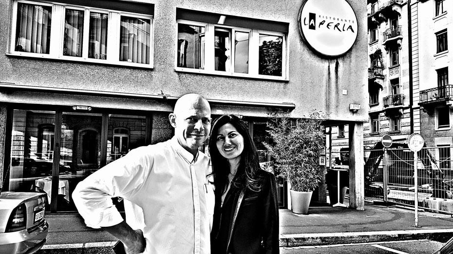 Philipp Tresch mit Sensory Consultant Sophia Amariotaki Streich von evoo ag vor dem La Perla in Luzern