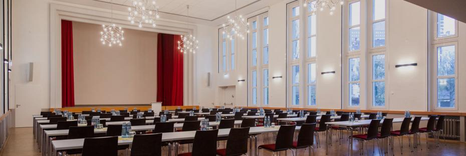 Der Kapitelsaal von IN VIA Köln bietet bis zu 170 Personen Platz