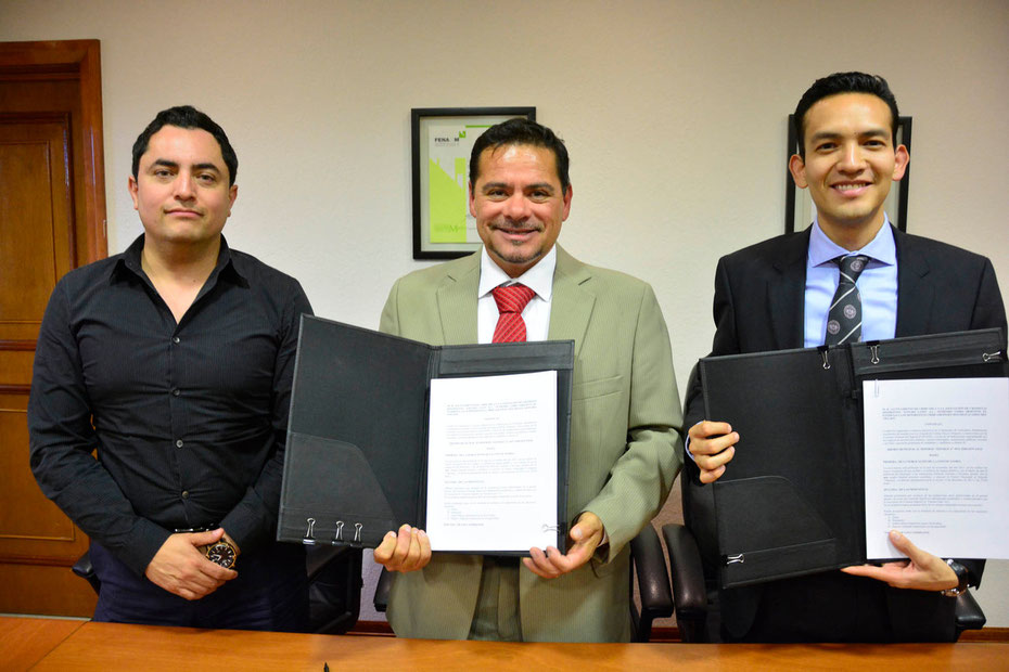 El Regidor Alan Falomir, Alex Aguirre por los cronistas y Alex De La Rosa por el Municipio. FOTO: LUIS CHÁVEZ