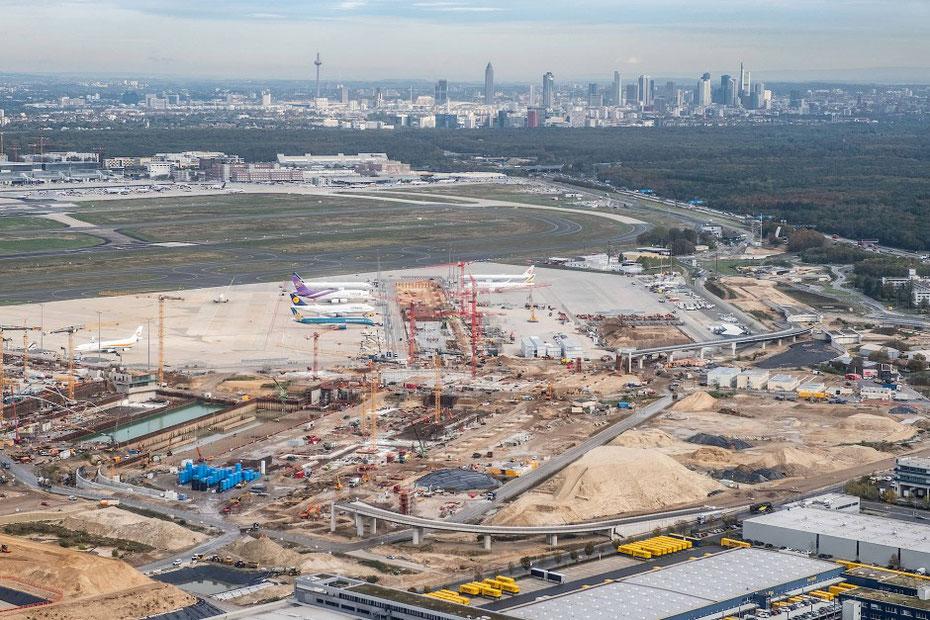© Francois  - Klein Tiefgründig: Der Erdaushub von der Baustelle des Terminals 3 soll zwischengelagert werden.