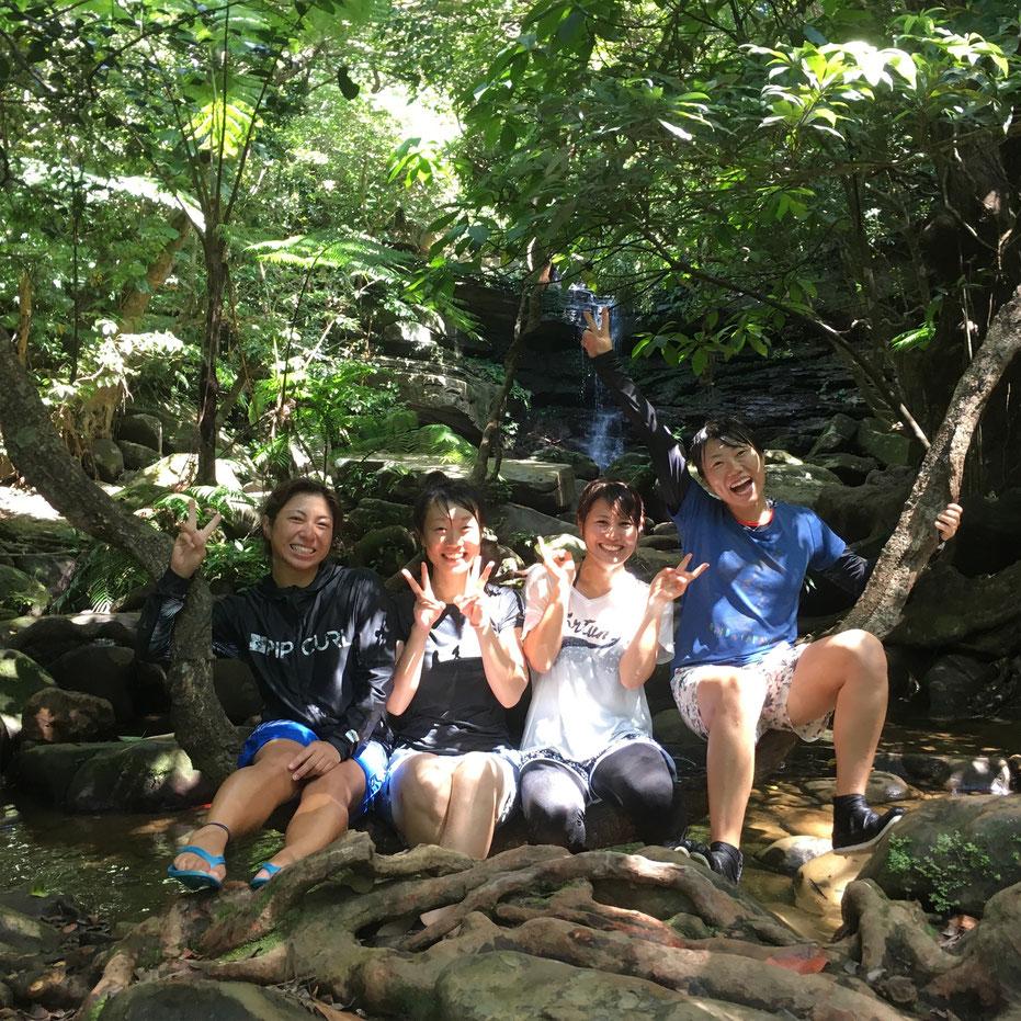 西表島・ガイドにおまかせツアー【滝遊び&沢遊び】