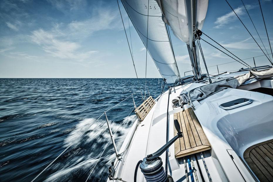 Segelyacht auf der Ostsee vor Rügen