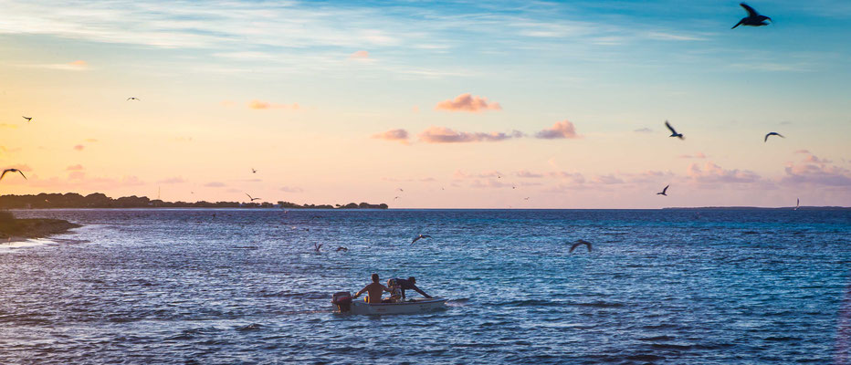 Fly fish Venezuela, FFTC.club saltwater destination, Los Roques, Young fishermen, Fly fish saltwater destinations for Jacks, Barracudas, Bonefish, Snapper, Snook, Bonitos.