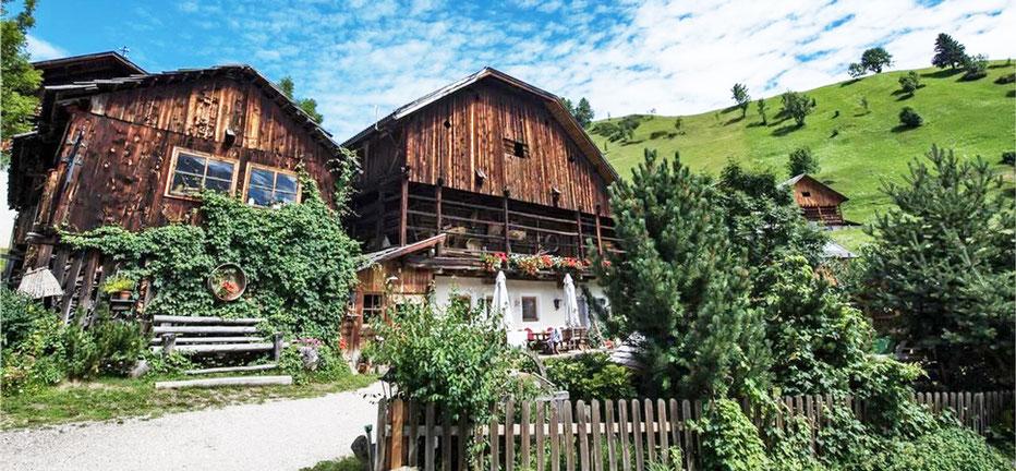 Lüch de Survisc - Hofschänke - Buschenschank - Osteria contadina - Wengen - La Val - Gourmet Südtirol