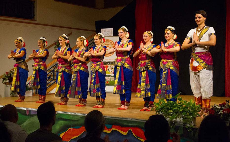 Lerne indischer Tanz