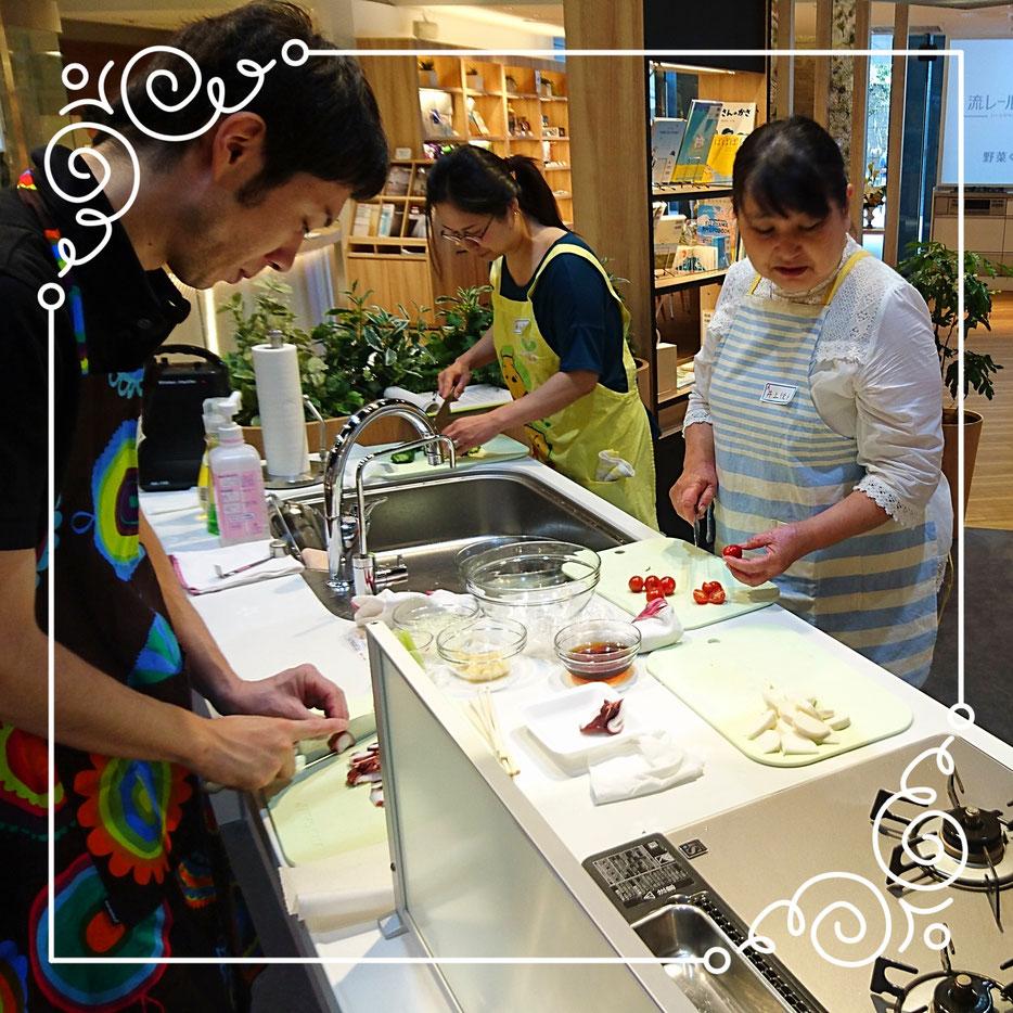 皆様、料理教室は初参加の方でしたがとても素晴らしく仕上がって「美味しい」と大満足されていらっしゃいました
