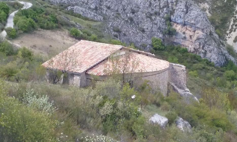 La Chapelle de Dromon, près de St Geniez 04. Lieux de la mystérieuse Théopolis, cet endroit de toute beauté est des plus mystérieux.