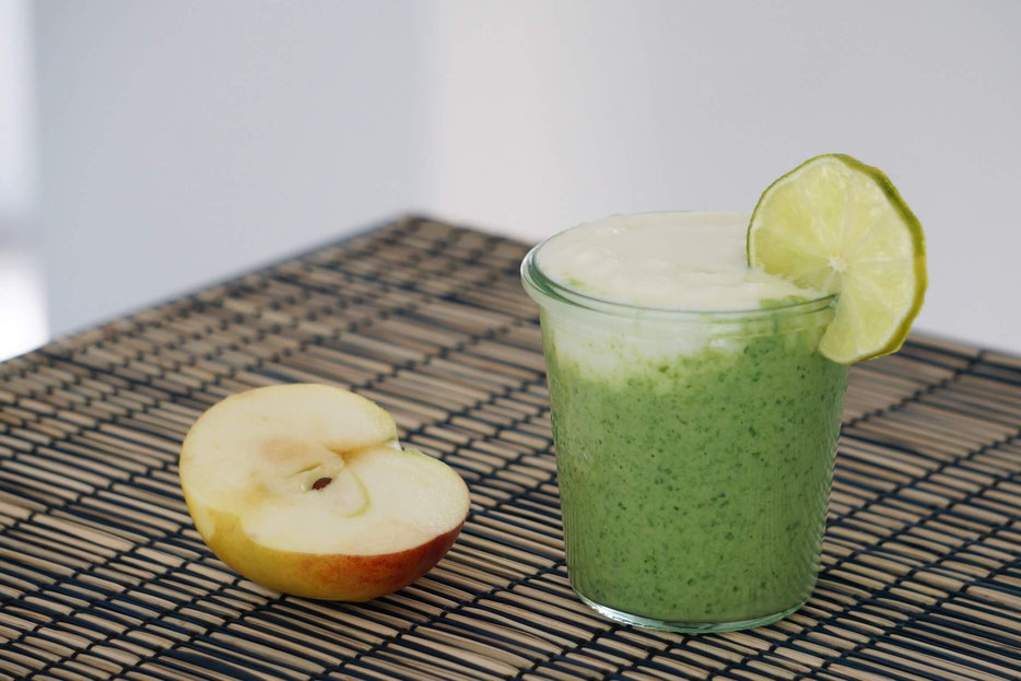 Kokos-Spinat-Smoothie | fruchtig, clean & gesund