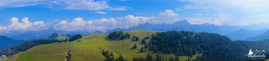 Blick vom Karnischen Höhenweg in Richtung der Julischen Alpen