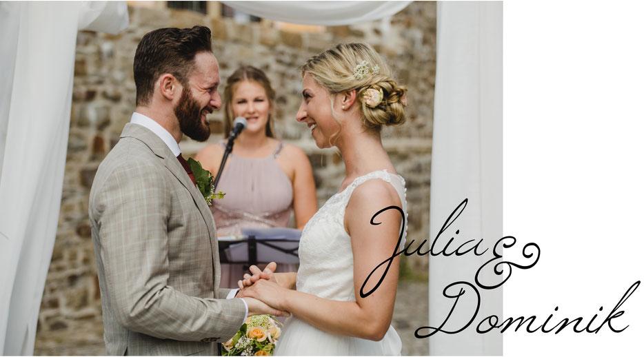 Brautpaar freie Trauung Hochzeitsfotografin Kathrin Filla