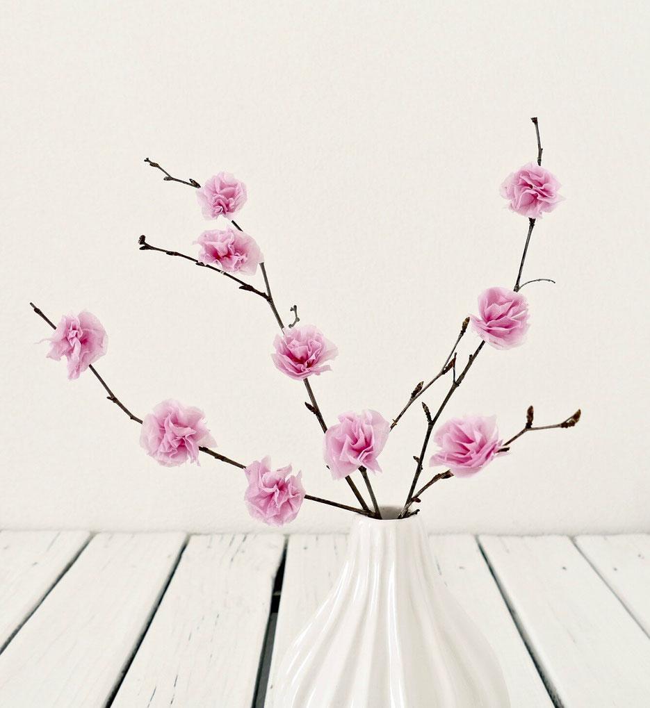 Blumen aus Taschentüchern selber machen