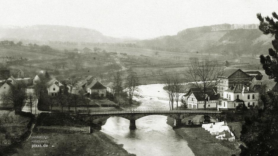 Die Diemelbrücke in Helmarshausen um 1920-30 - Fotografie von Heinrich Fritz, Carlshafen