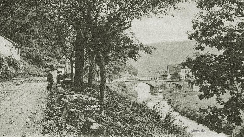 B83 und die Diemelbrücke in Carlshafen um 1900 (Ausschnitt aus einer Ansichtskarte, 1905 datiert) pixxs.de