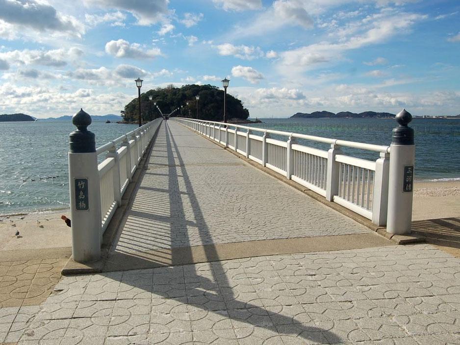 三河湾に架かる橋を渡って竹島へ。1度は行ってみたい地元の人気スポット