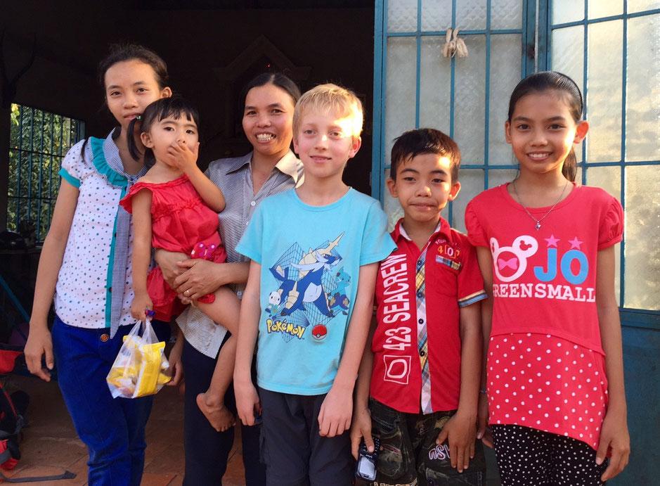 Une famille de quatre enfants parrainée