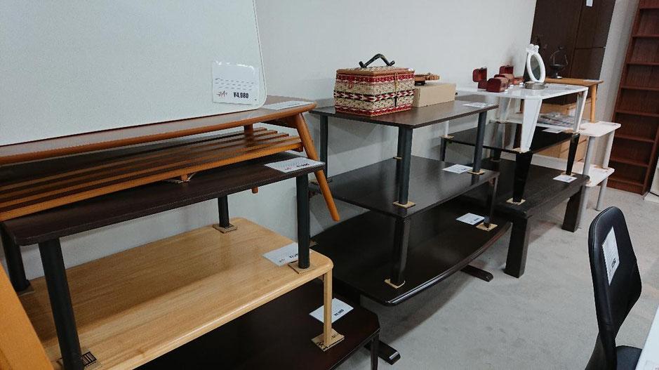 綺麗でおしゃれなまるでインテリアショップ、中古テーブルも格安