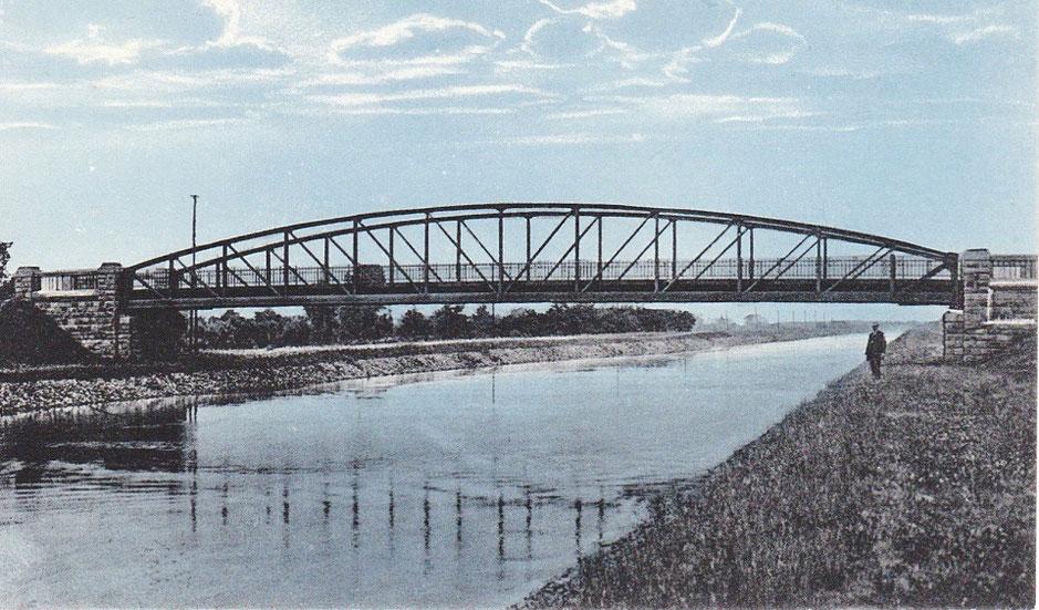 Der Kanal bei Oberaden in den Jahren kurz nach seiner Fertigstellung 1914. (Bildnachweis: Stadtarchiv Bergkamen)