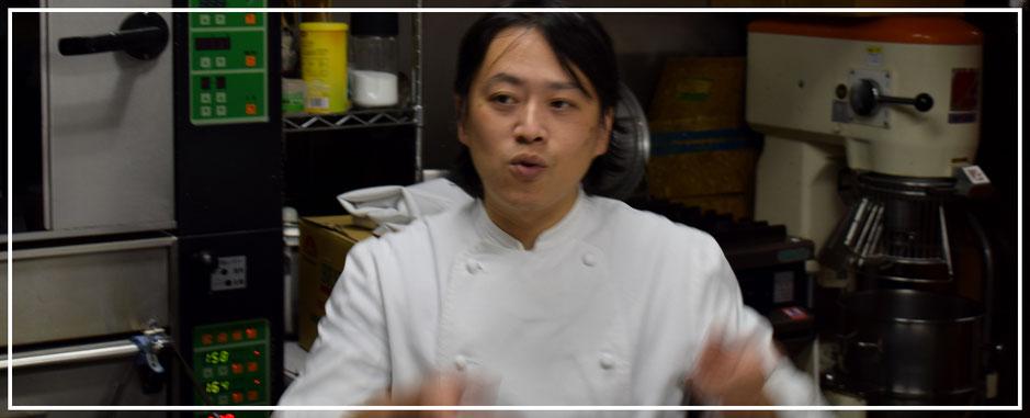 タルトとフランス菓子専門店プチ・ラパンの友田シェフ