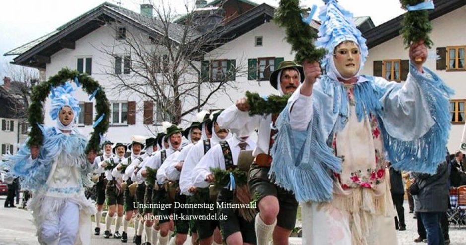 Unsinniger Donnerstag in Mittenwald, Unsinniger Donnerstag Alpen, Gaudi Mittenwald, 16.2.2020, Fasching Werdenfeser Land, Fasching Oberbayern, Unsinniger Donnerstag Oberbayern, Fasching Karwendel, Fasnacht Karwendel, Fasching in Bayern, Faschingsbrauchtum