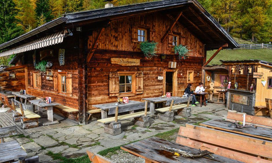 Sommer auf der Schönberg Alm in Weißenbach im Tauferer Ahrntal in Südtirol
