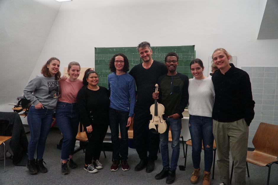 Einweihung der Bratsche durch die Bratschenklasse von Klaus Christa am Vorarlberger Landeskonservatorium