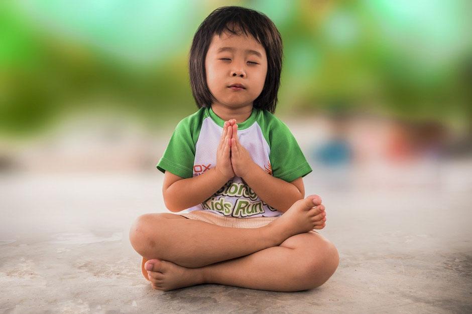 Klangschalen Massage für Kinder