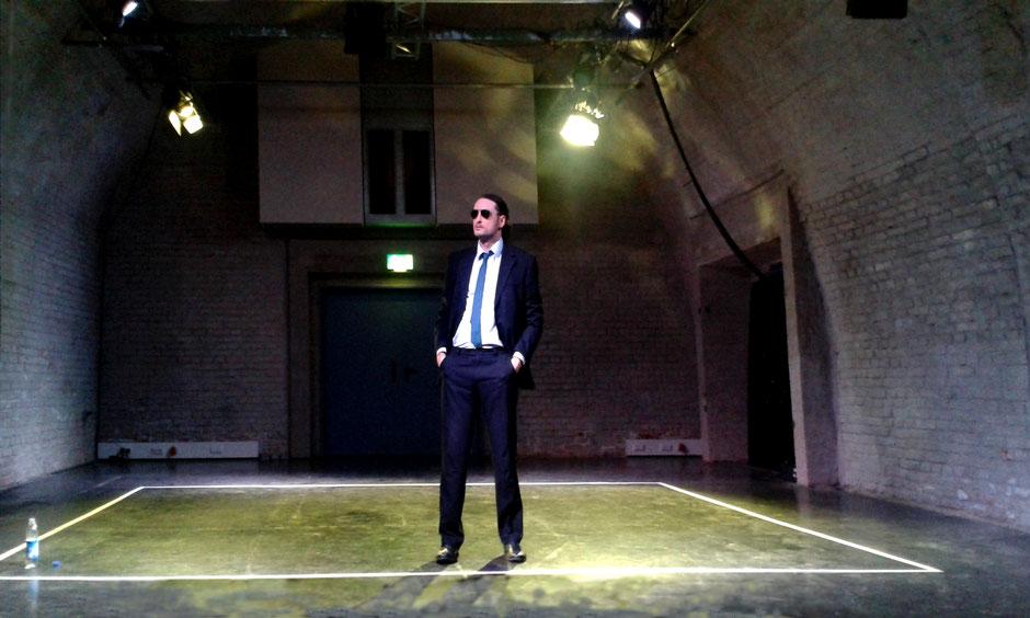Münchner Helden*Theater / Der Erreger