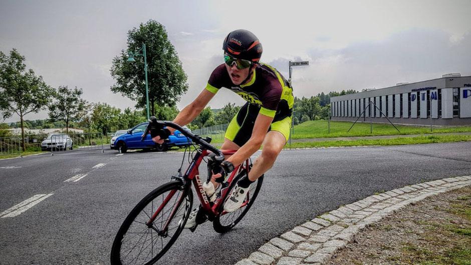Felix Sauer beim Radkriterium in Meiningen auf Platz 4