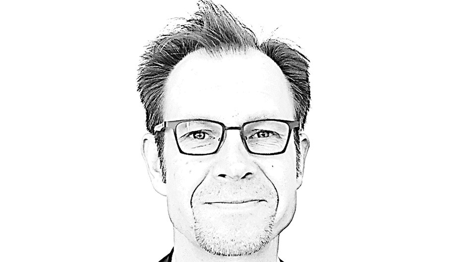 Göran Keetz ist freier Texter, Konzeptioner und SEO-Experte in Hamburg und entwickelt erfolgreiche Kommunikation für Marken, Produkte und Dienstleistungen. Online. Offline. B2C und B2B.