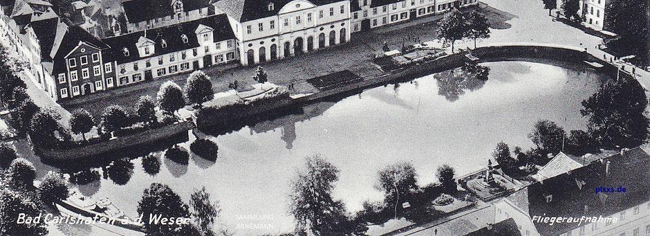 Der Hafen, Hafenplatz und Hafenbrücke von (Bad) Carlshafen Ende der 1920er Jahre  [pixxs.de