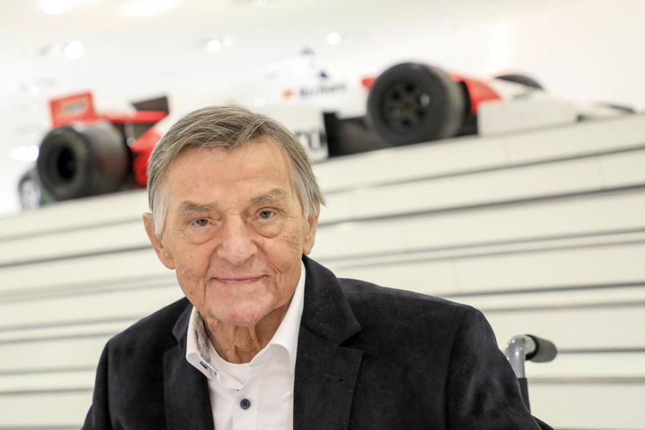 Porsche trauert um Hans Mezger