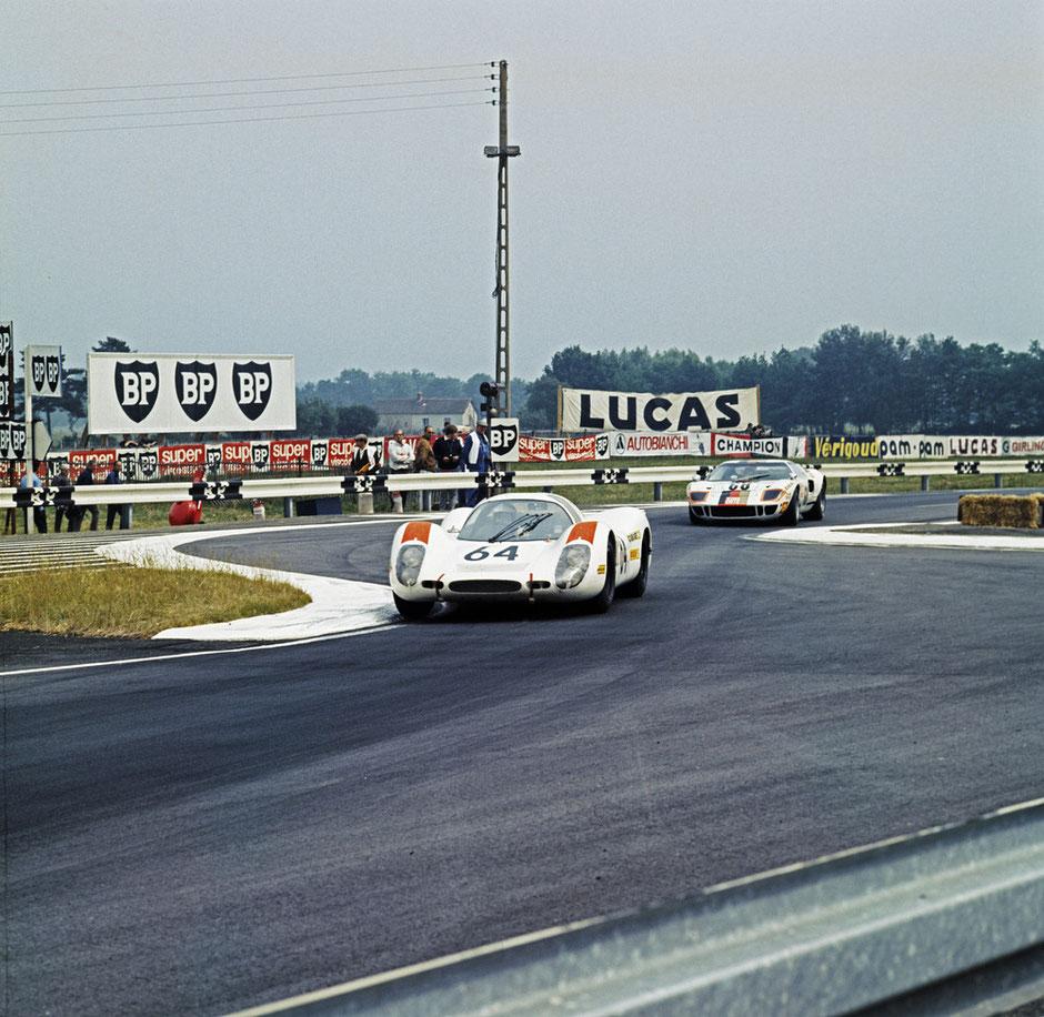 15. Juni 1969 - 24-Stunden von Le Mans: Hans Herrmann und Gérard Larrousse mit Porsche 908 LH Coupé - 2. Platz im Gesamtklassement.