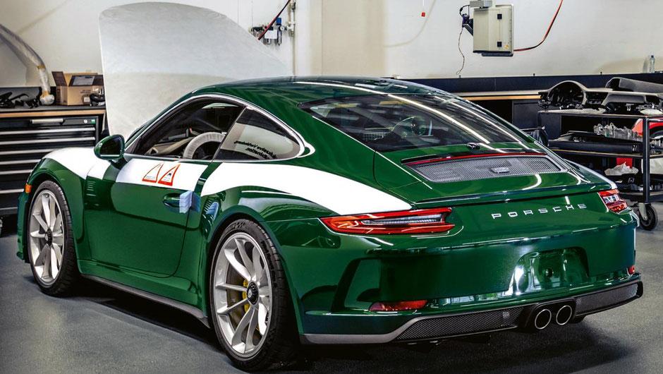 Jorge Carniceros's Porsche 911 GT3 Touring in der Porsche Exclusive Manufaktur