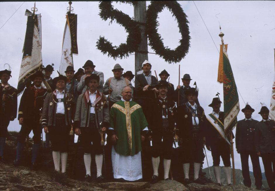 Bergmesse mit den Schlaitener Schützen anlässlich 50 Jahre Heimkehrerkreuz am Moschumandl 2005