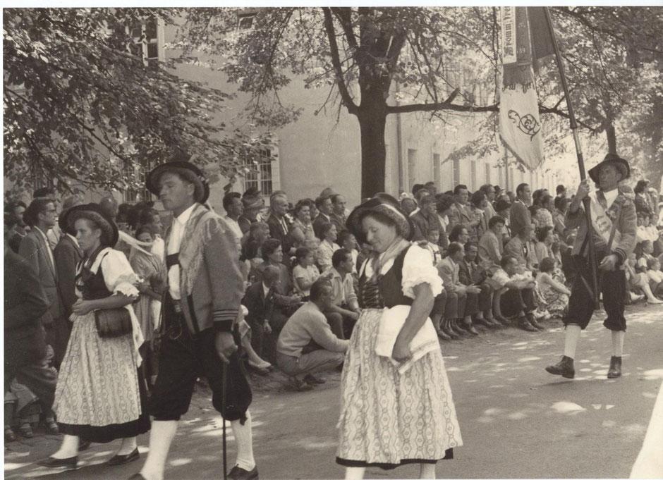 Schützenkompanie Schlaiten beim Landesfestzug 1959 in Innsbruck