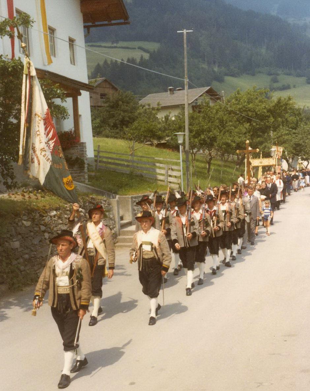 Schützenkompanie Schlaiten 1977 unter Hauptmann Peter Rainer
