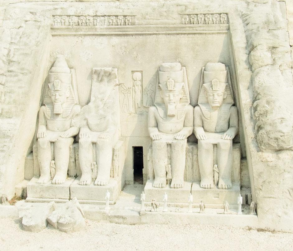 Alte Grab- und Kultstätten... Und Ihre Unternehmenskultur, ist sie mehr tot als lebendig? Wer ist aus Stein?