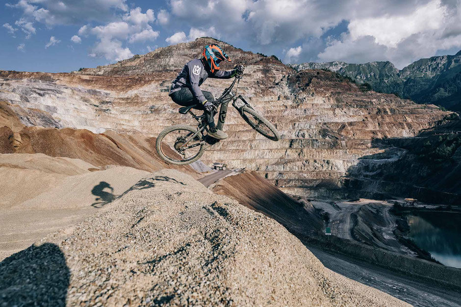 Husqvarna setzt bei den e-Mountainbikes voll und ganz auf die Antriebssysteme von Shimano.