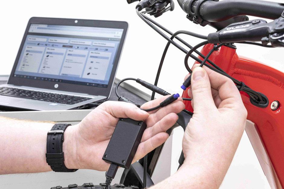 Brose Servicetool zur Einstellung des e-Mountainbike Motors.