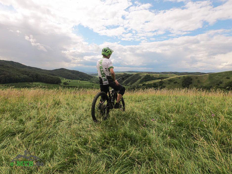 Fahrtechniktrainer Belchenradler auf dem Turbo Levo Compt e-MTB von Specialized