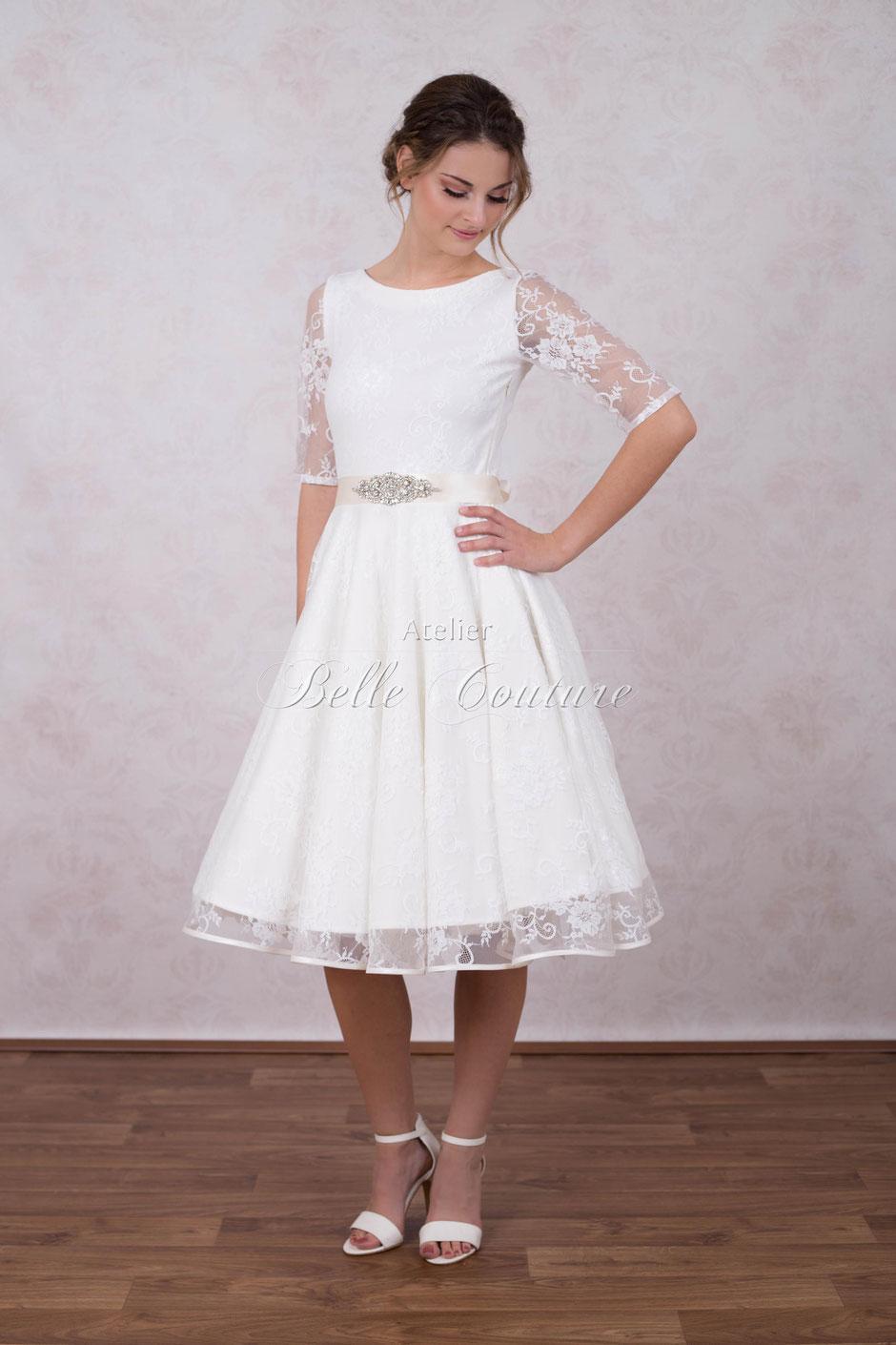 Brautkleid im 50er Jahre Stil